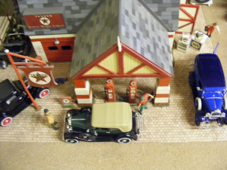 Diorama - 1930/40's Gas Station