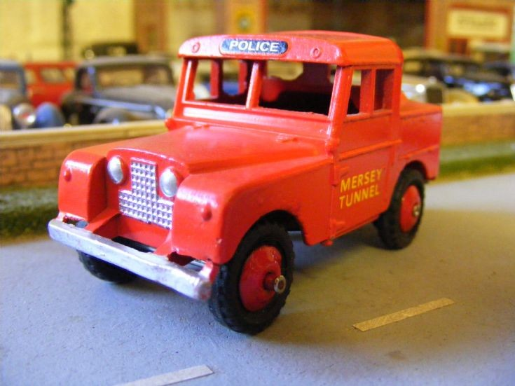 Dinky Toys - Land Rover