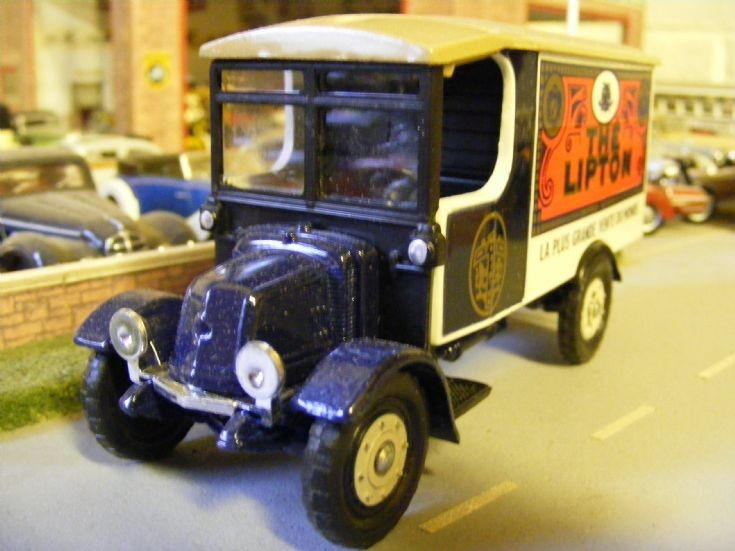 corgi Classics - Renault